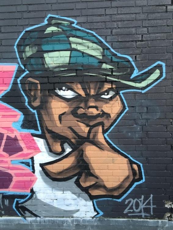 Grafitti med en ung senior